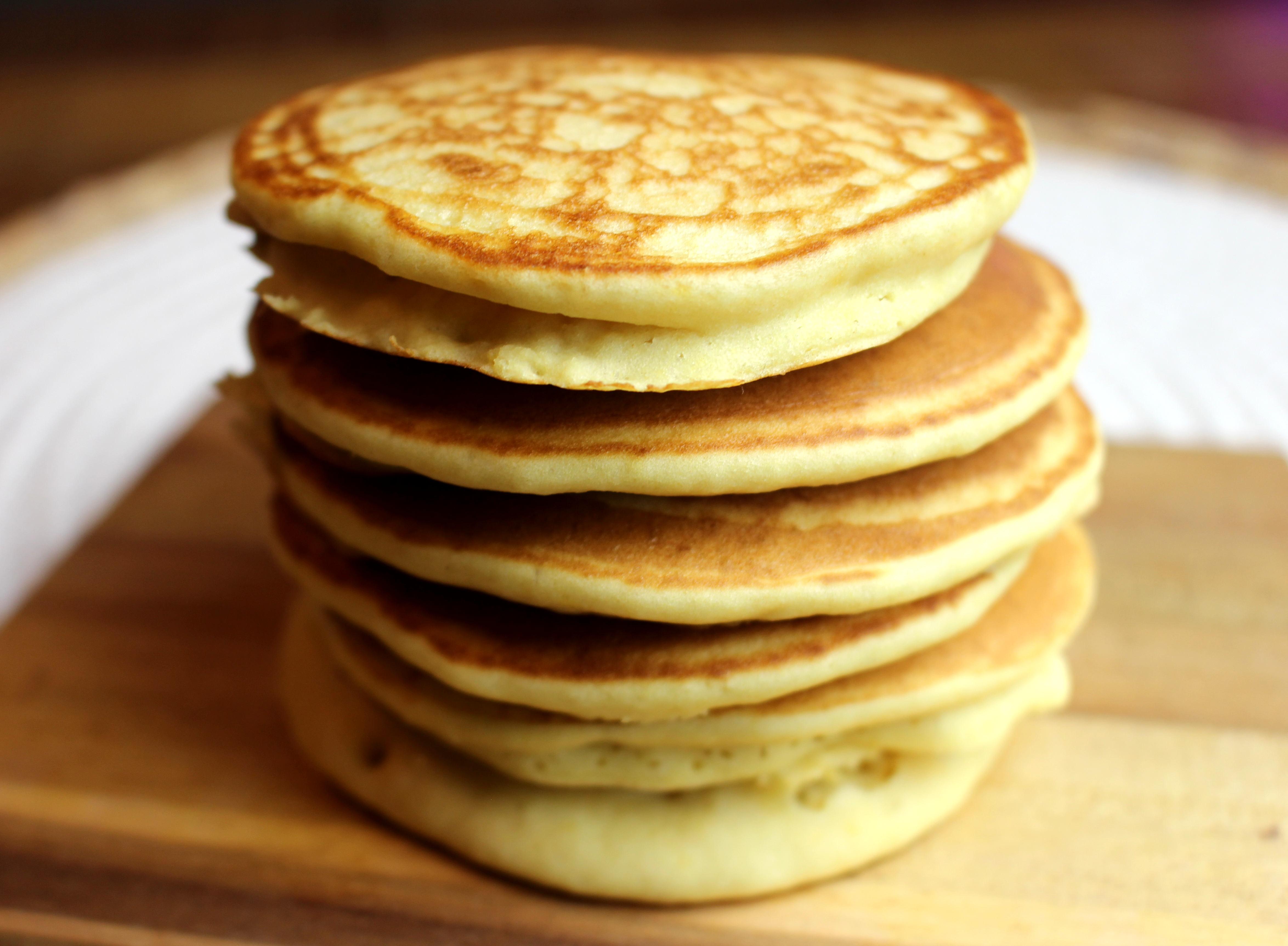 Pancakes sans gluten et sans lait fluffys