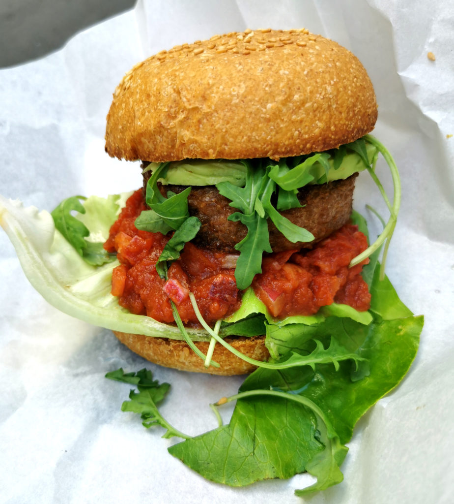 peacefood café montpellier burger vegan