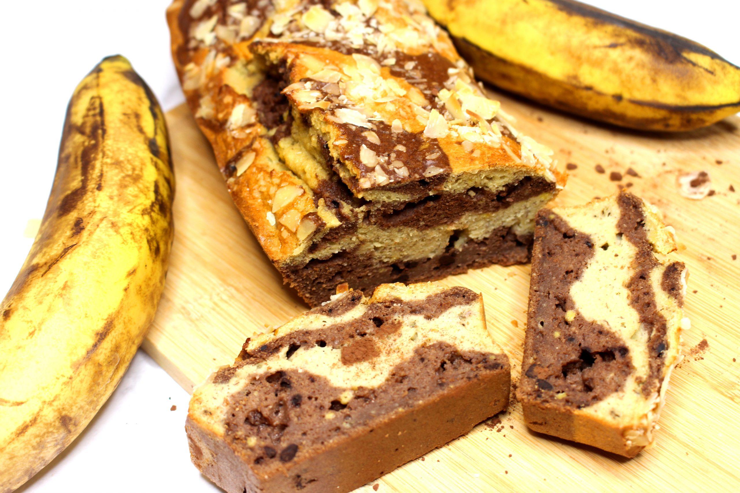 banana bread marbré au cacao et à la vanille sans gluten sans lait